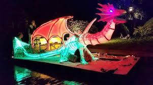 Gondelvaart Giethoorn - verlichte botenparade