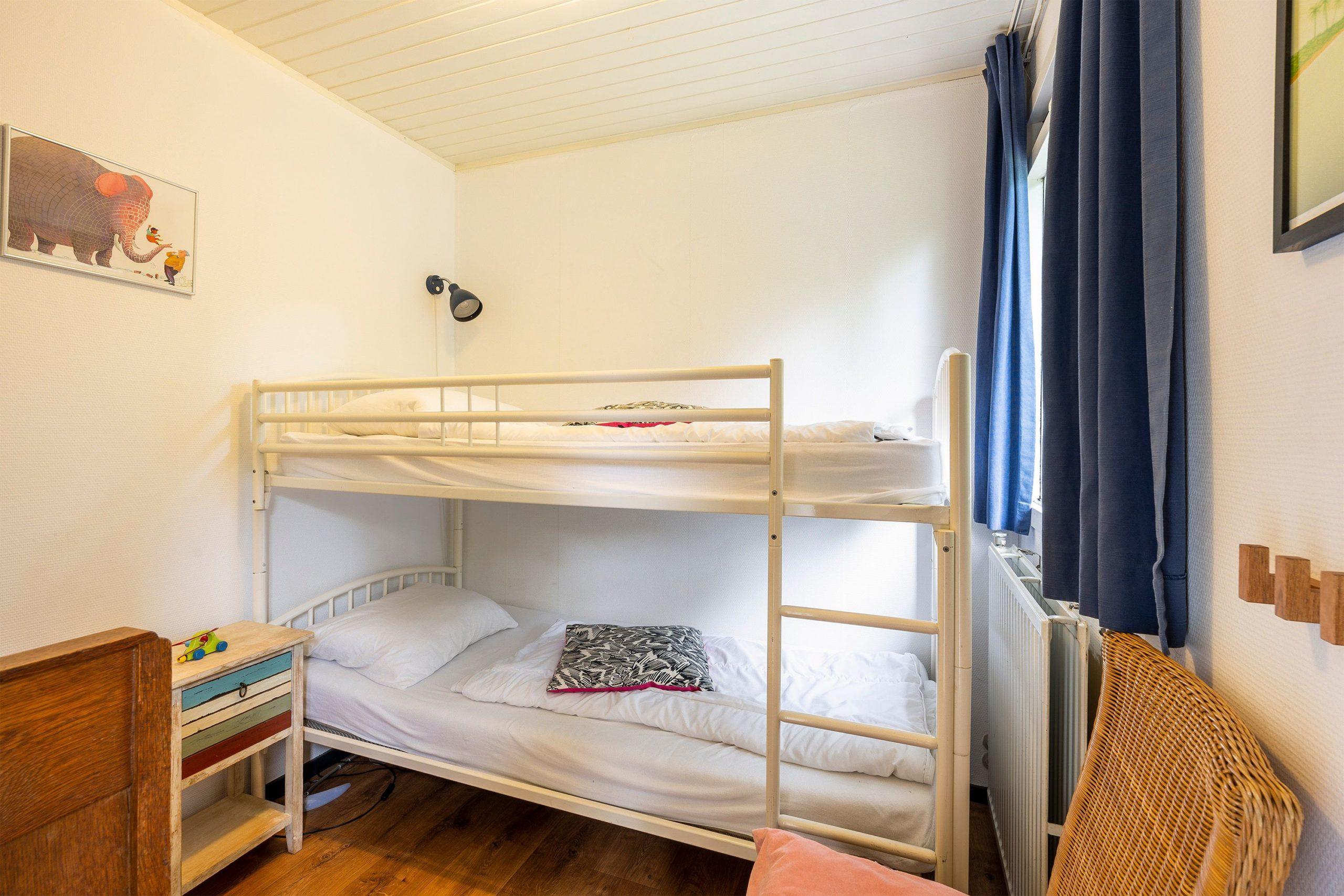 hermelijn-2-slaapkamer-stapelbed