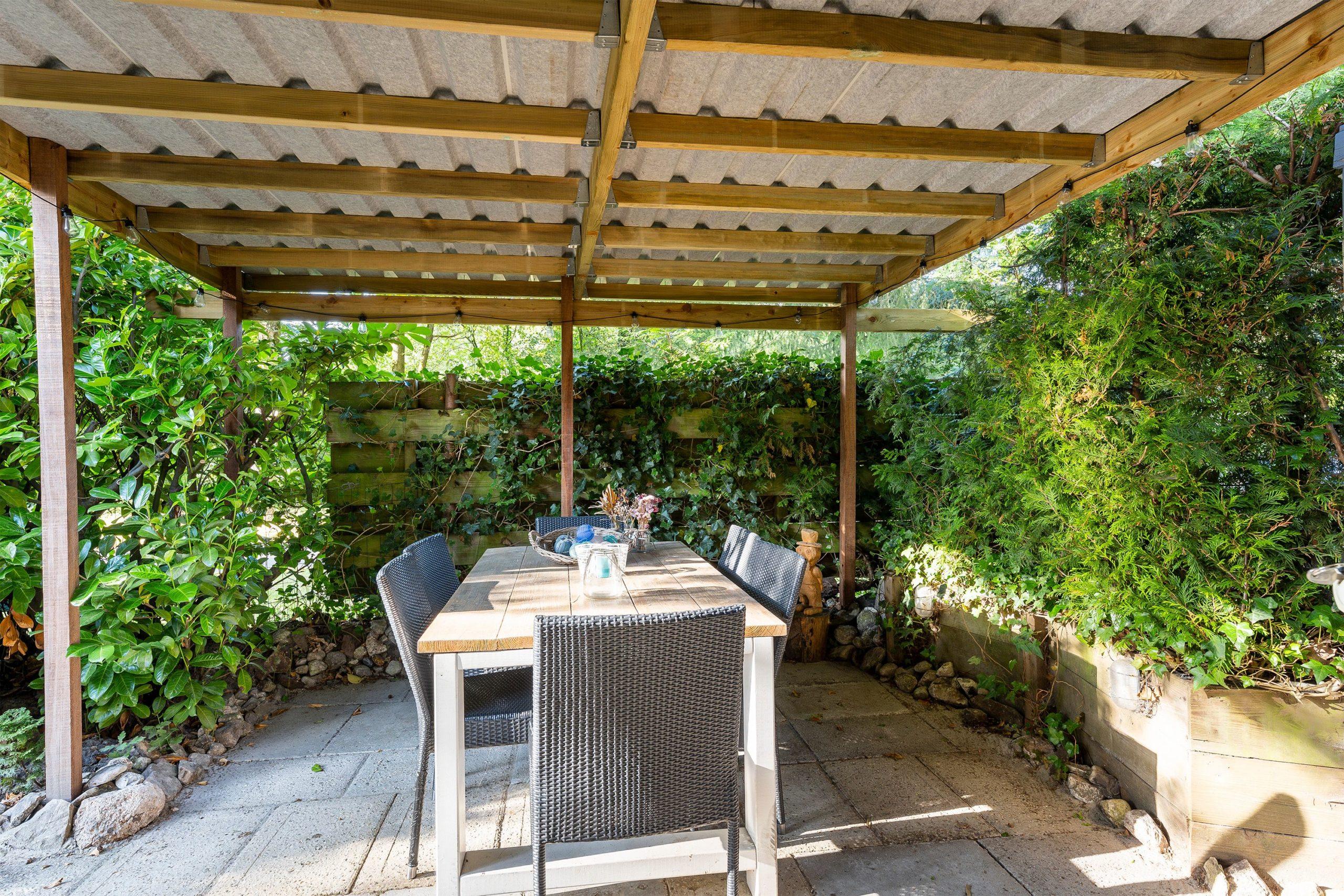 blauwe-boshuis-veranda